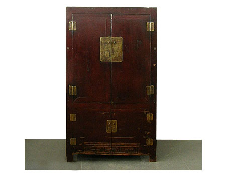 A large lacquered square-corner cabinet /armoire